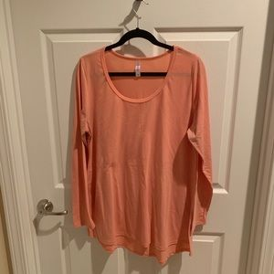 NWOT LuLaRoe Lynnae Peach Colored
